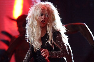 "Christina Aguilera Gets ""Dirty"" For Michael Forever Tribute (PHOTOS)"