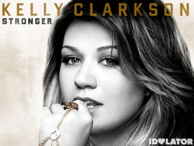 kelly-clarkson-dark-side