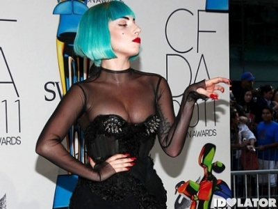 lady-gaga-2011-cfda-fashion-awards