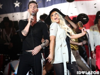 Adam-Levine-Christina-Aguilera-Moves-Like-Jagger
