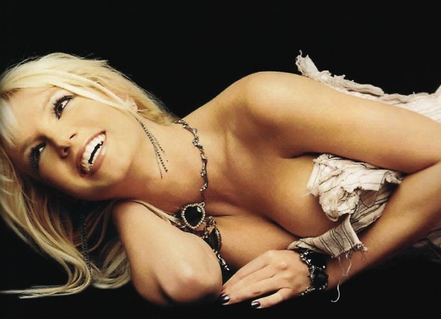 britney-spears-laughs-1