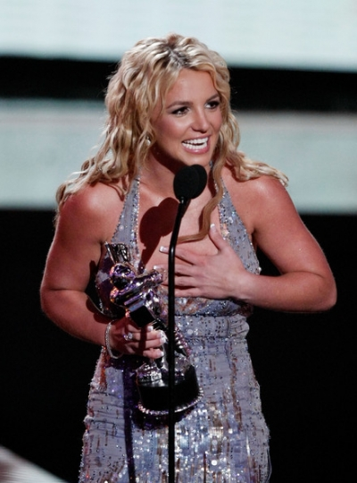 2011-03-18-11-35-17-7-britney-spears-won-three-titles-in-the-2008-mtv-vm.jpeg