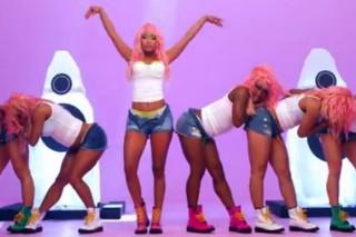 "Nicki Minaj's ""Super Bass"" Named #1 Song Of 2011 By 'EW' & 'Billboard'"