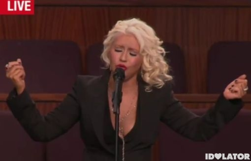 """Christina Aguilera Tributes Etta James With """"At Last"""" At Her Funeral"""