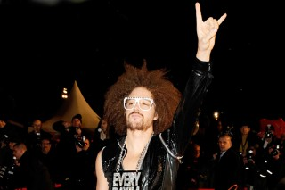 Justin Bieber, RedFoo, Shakira & Seal At NRJ Music Awards 2012 (PHOTOS)