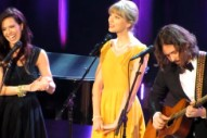 "Taylor Swift Performs 'Hunger Games' Single ""Safe and Sound"" In Nashville"