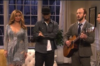 "Justin Timberlake's ""Bon Iver"" Plays For Blue Ivy In 'SNL' Sketch"