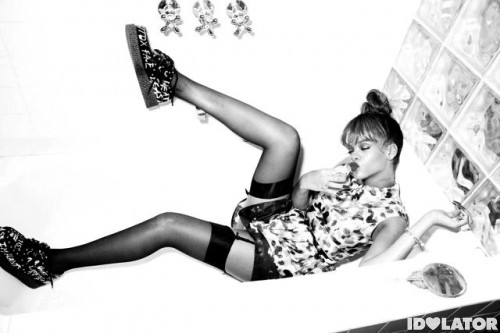 rihanna-gets-saucy-in-new-pictures-talk-that-talk07