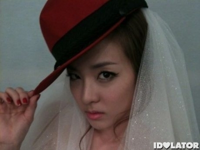 2ne1_s-sandara-transforms-into-a-hip-hop-bride-1