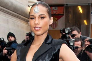 Alicia Keys Is A Diamond In The Rough At Chanel's Fashion Week Show (PHOTOS)