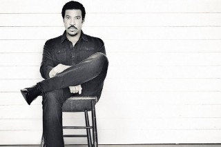 Lionel Richie's 'Tuskegee' Becomes His First #1 Album On The Top 200 In 26 Years