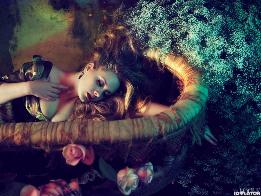 Adele: Hottest Photos