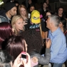Justin Bieber mobbed by fans
