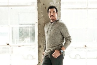 Lionel Richie Keeps Jason Mraz And Train At Bay On Album Chart