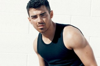 Joe Jonas, The Roots And Queen Latifah Set For Philly Fourth Of July Jam