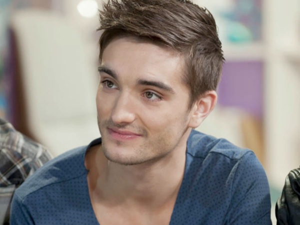 The Wanted Tom Parker blue v-neck shirt