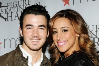 Kevin Jonas And Wife Danielle To Star In E! Reality Series 'Married To Jonas'