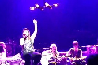 Kelly Clarkson Covers Britney Spears, Whitney Houston & Mariah Carey