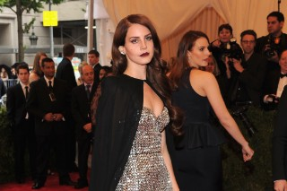 Lana Del Rey Arrives In A Cape To The 2012 Met Gala