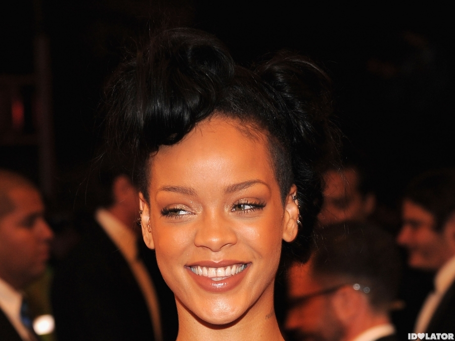 Rihanna Arrives At The 2012 Costume Institute Gala