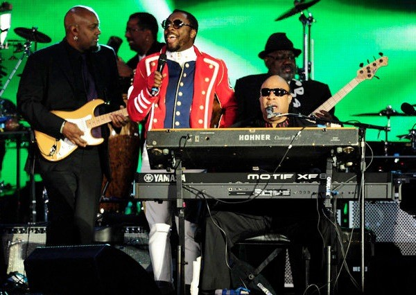 Stevie Wonder Will.i.am. Queen Diamond Jubilee Concert 2012