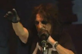 "Watch Alice Cooper Cover Lady Gaga's ""Born This Way"" At Bonnaroo"