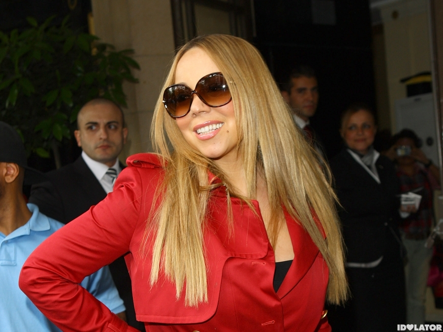Mariah Carey Greets Her London Fans