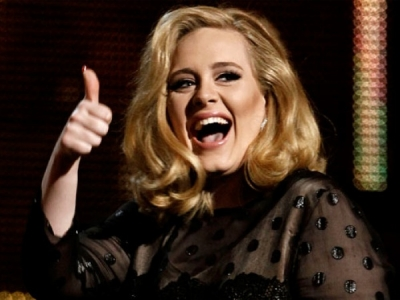 adele thumbs up