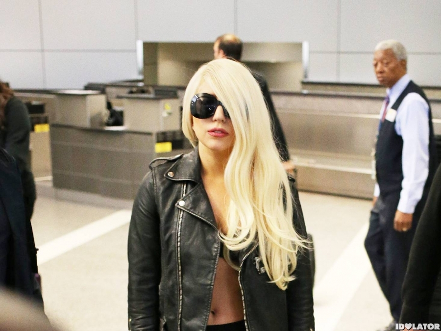 Lady Gaga Gives The Paparazzi The Cold Shoulder