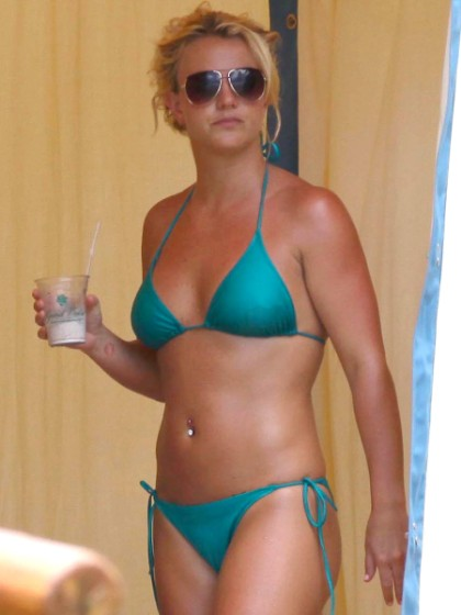 Pop Stars In Bikinis: Britney Spears