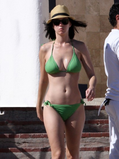 Pop Stars In Bikinis: Katy Perry