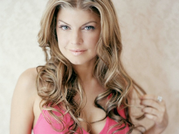 Black Eyed Peas star Fergie hurt by jibes | Daily Star