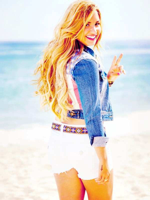 demi lovato self photoshoot - photo #7