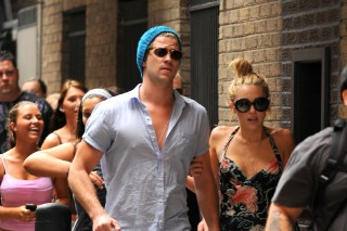 Miley Cyrus And Liam Hemsworth Fight Off The Crowd In Philly