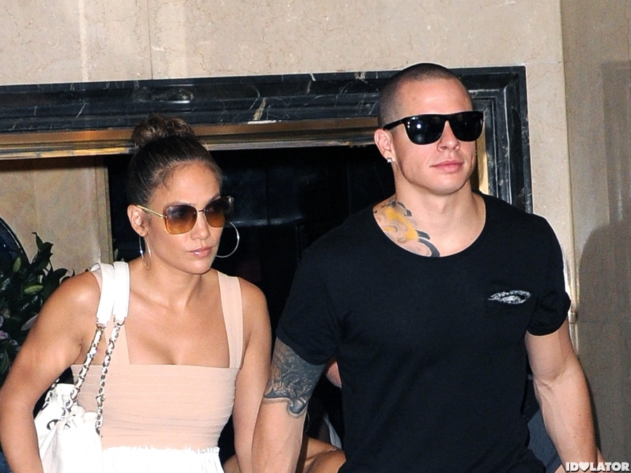 J.Lo Heads To Lunch With Casper Smart