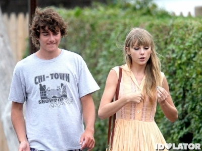 Taylor Swift Cozies Up To Conor Kennedy