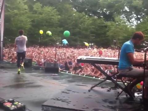 Lollapalooza 2012: Watch Dev, Frank Ocean, and Fun. Perform