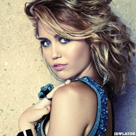 Miley Cyrus Heats Up 'Marie Claire'