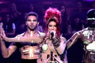 "Neon Hitch Performs ""Gold"" On 'Jimmy Fallon'"