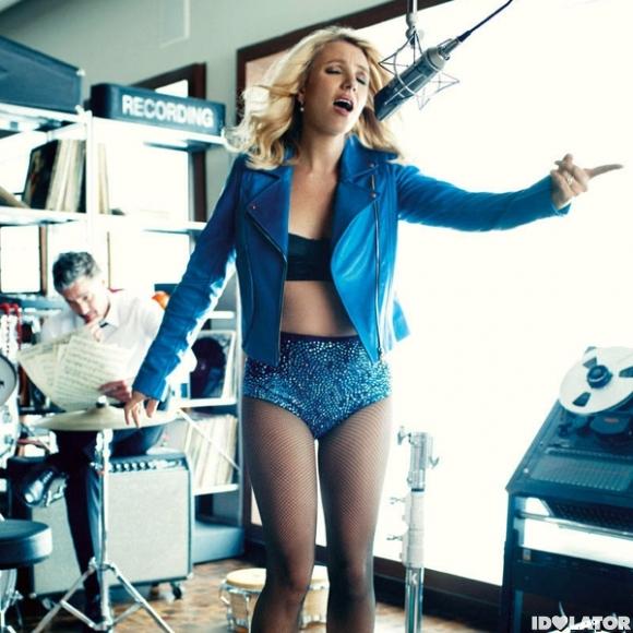 It's Glamourous Britney, Bitch!