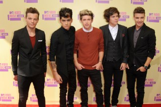 2012 MTV Video Music Awards: One Direction Walk The Carpet To Victory