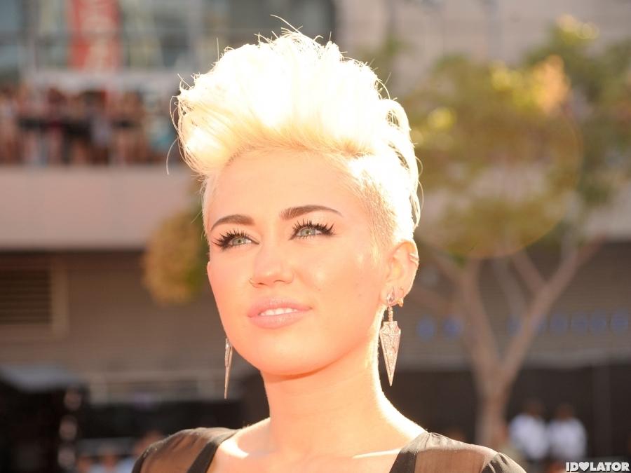 Miley Cyrus Arrives At The 2012 MTV VMAs