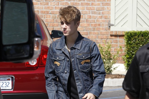 Justin Bieber Out For Lunch In Calabasas