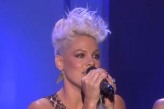 "Pink Performs ""Blow Me (One Last Kiss)"" & Talks Motherhood On Ellen: Watch"