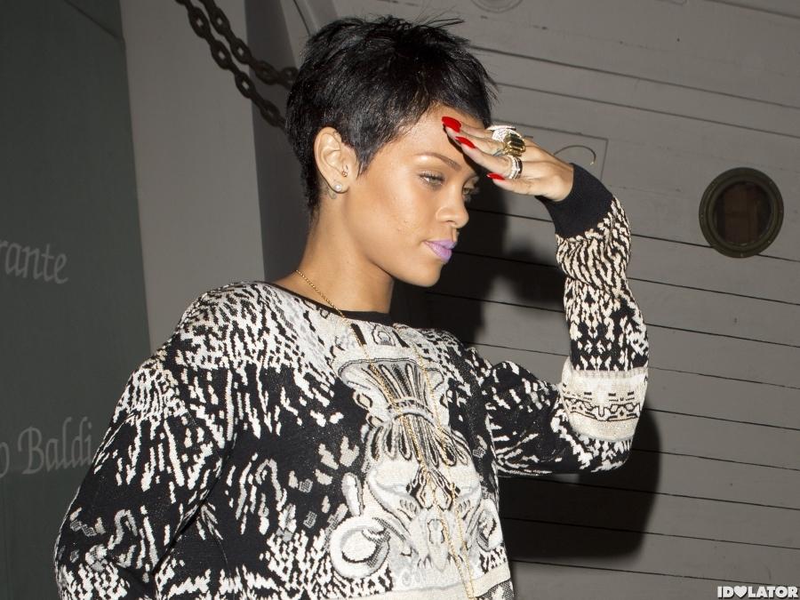 Rihanna Rocks A Grill