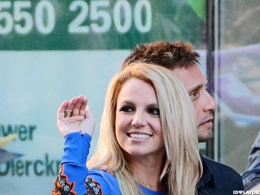 'X Factor' Judges Celebrate Season 2 britney spears