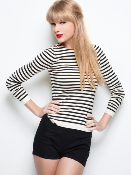 Taylor Swift Wears Black And White For 'Red'