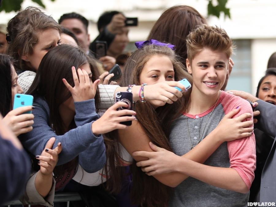 Beliebers Mob Justin