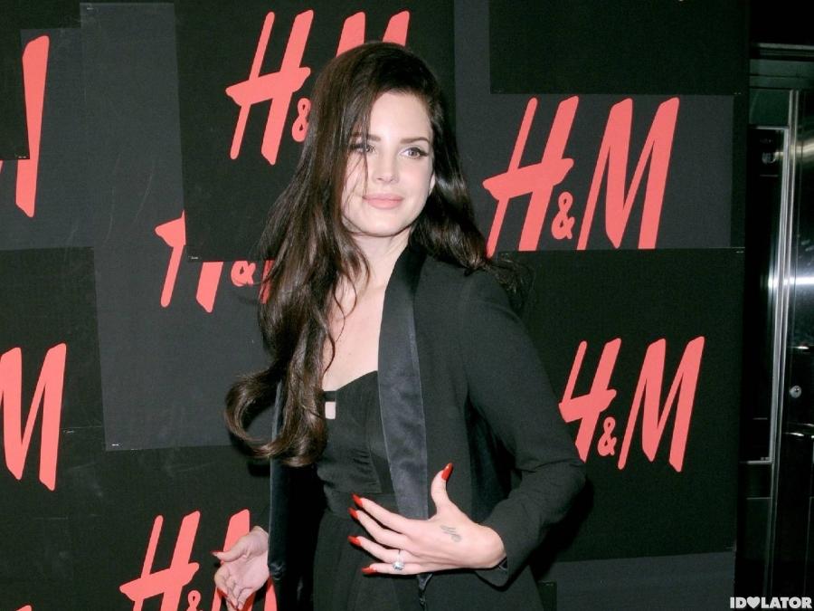 Lana Del Rey Walks H&M's Red Carpet