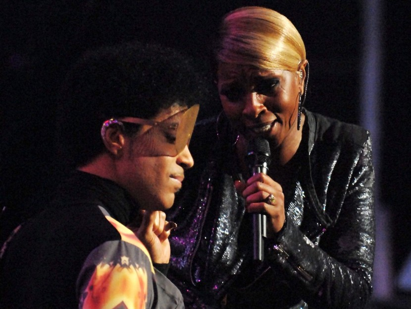 Prince Joins Mary J. Blige On Stage At iHeartRadio Music Festival